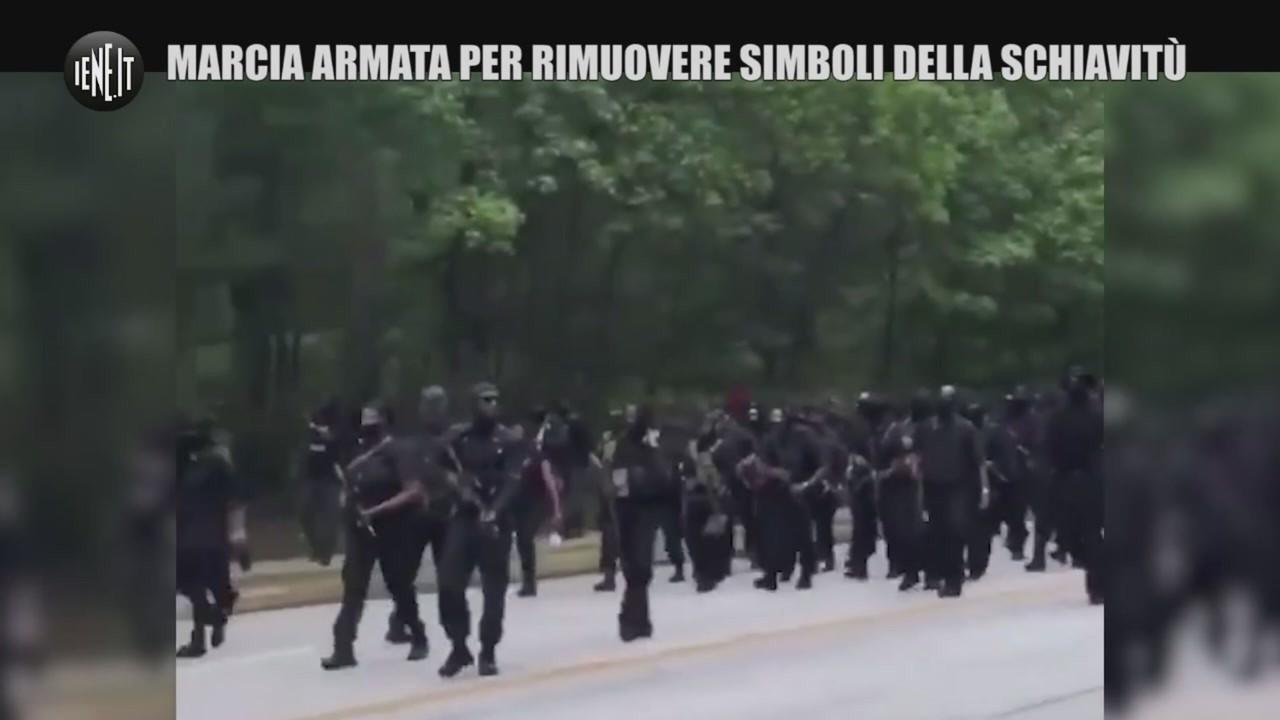 Marcia armata rimuovere simboli schiavitù