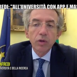 Universita ministro Manfredi mascherine