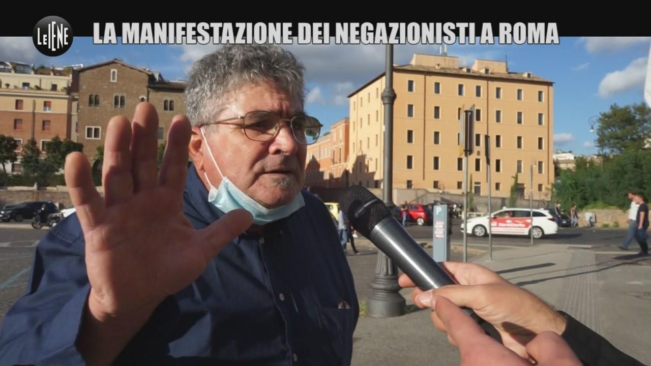 """CORDARO: Negazionisti Covid: dalla pandemia che non esiste all'immigrazione (e """"Beppe Grillo è un rettiliano"""")"""