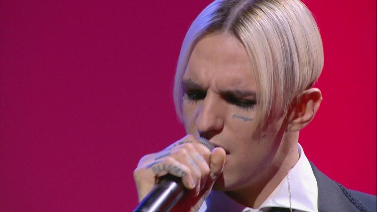 Achille Lauro live a Le Iene con il suo ultimo singolo: Marilù