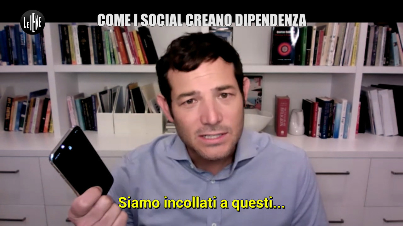 cellulare social dipendenza