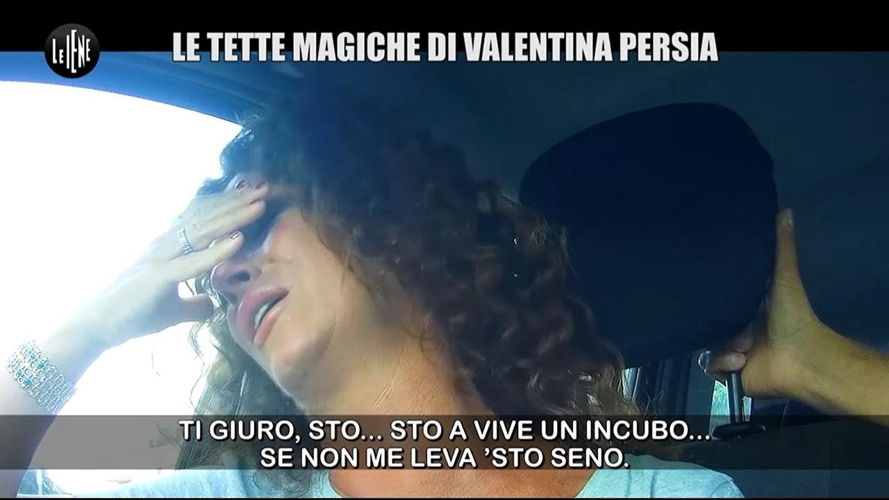 Valentina Persia e il seno ferormonico: lo scherzo | VIDEO