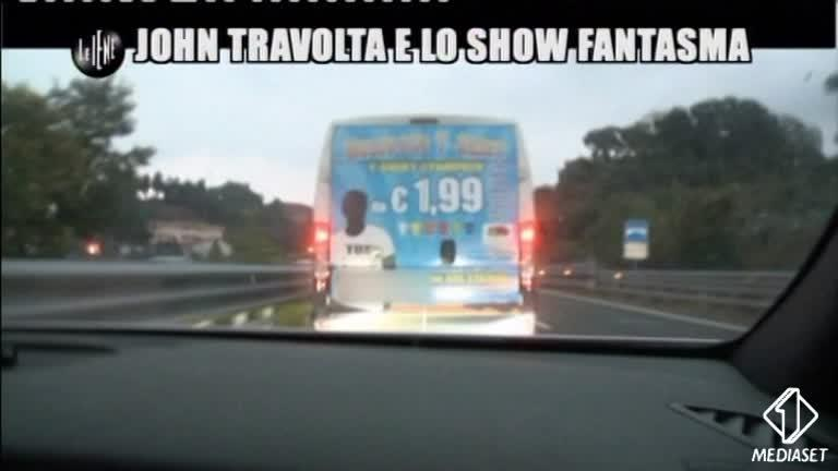 ROMA: John Travolta e lo show fantasma